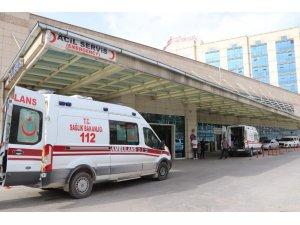 Siirt'te traktör devrildi: 4 yaralı