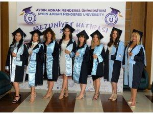 Aydın Sağlık Yüksekokulu mezunlarını uğurladı