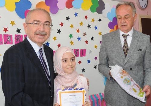 Mardinde 250 bin öğrenci karne heyecanı yaşadı