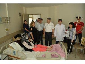Uşak Üniversitesi Tıp Fakültesi Dekanı Semiz, hastaneyi ziyaret etti