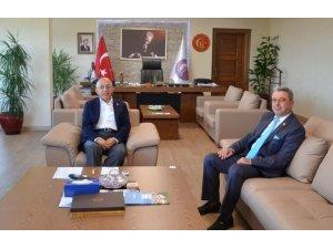 Başkan Göğüsgeren'den Rektör Murat'a ziyaret