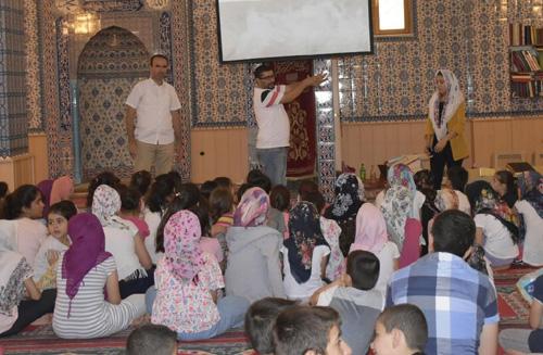 Kuran kursu öğrencilerine sağlıklı yaşam eğitimi