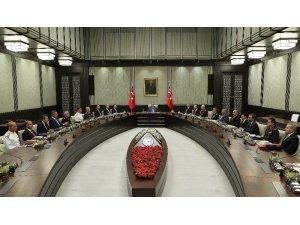Milli Güvenlik Kurulu (MGK), Cumhurbaşkanı Recep Tayyip Erdoğan başkanlığında toplandı. Cumhurbaşkanlığı Külliyesi'ndeki toplantı, saat 15.20'de
