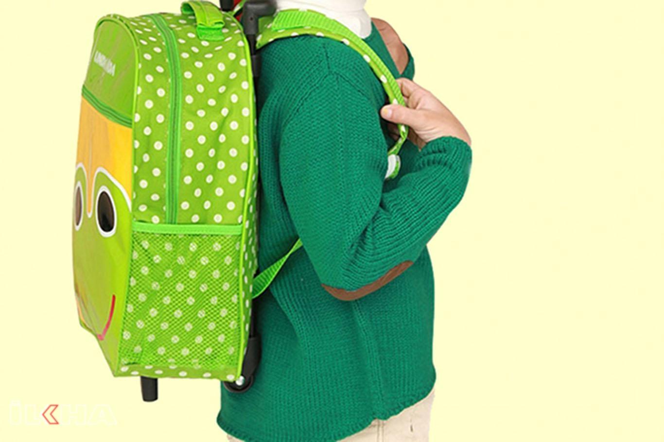 Okul çantası boya uygun olmalı.