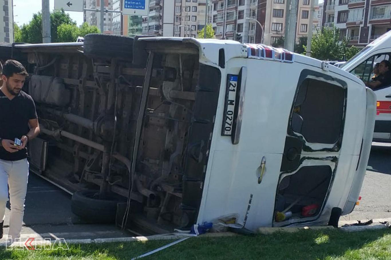 Diyarbakırda kaza: 9 yaralı.