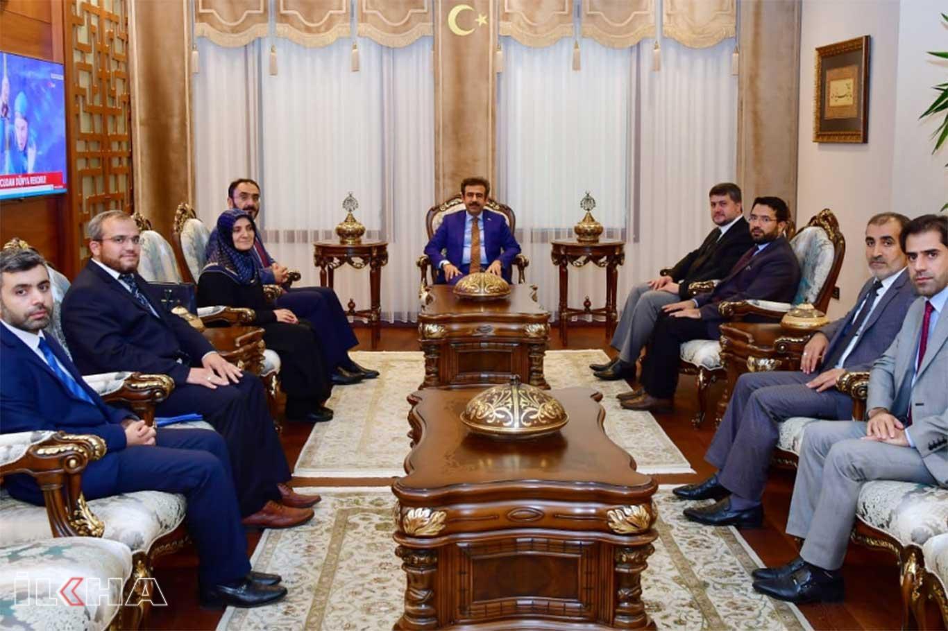 Diyarbakır Valisi Güzeloğlu İl Müftüsünü makamında kabul etti.