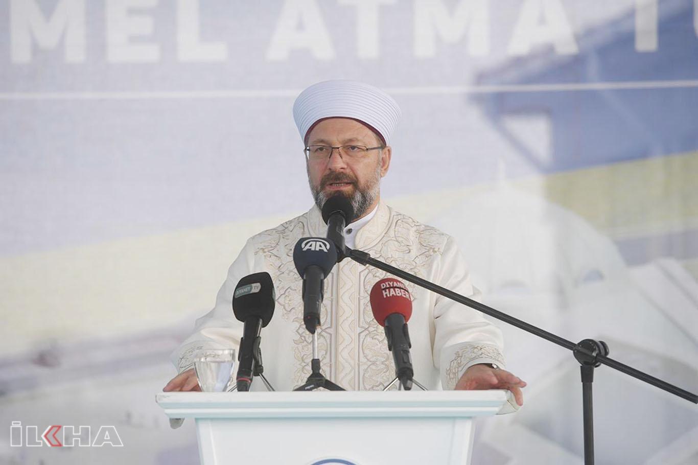 DİB Erbaş: Bizim medeniyetimizde, cami ile mektep hep iç içe olmuştur.