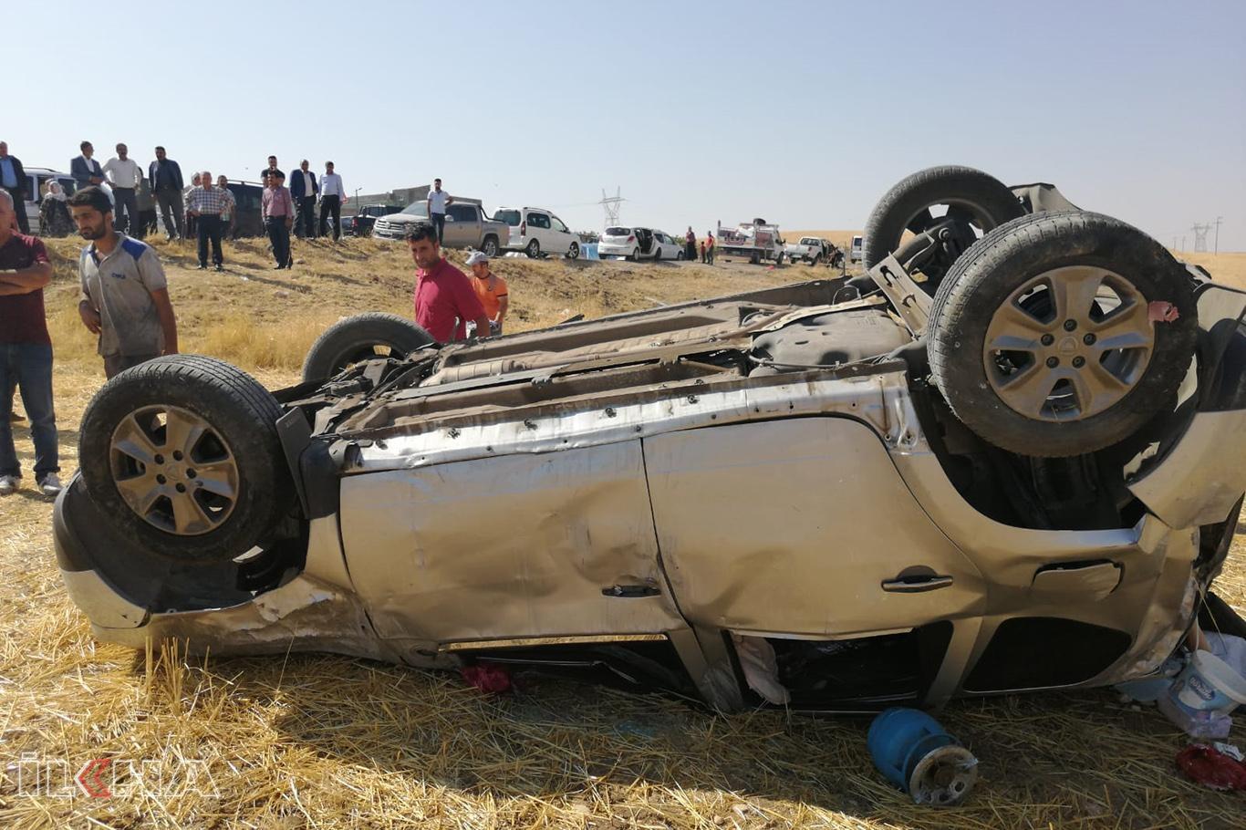 Otomobil şarampole devrildi: Bir ölü 2 yaralı.