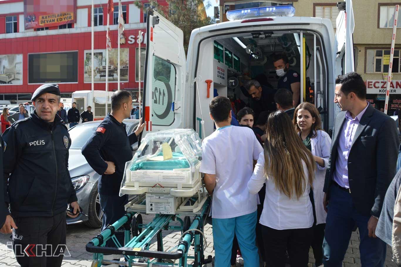 Hastane yangınında 6sı bebek 23 kişi dumandan etkilendi.