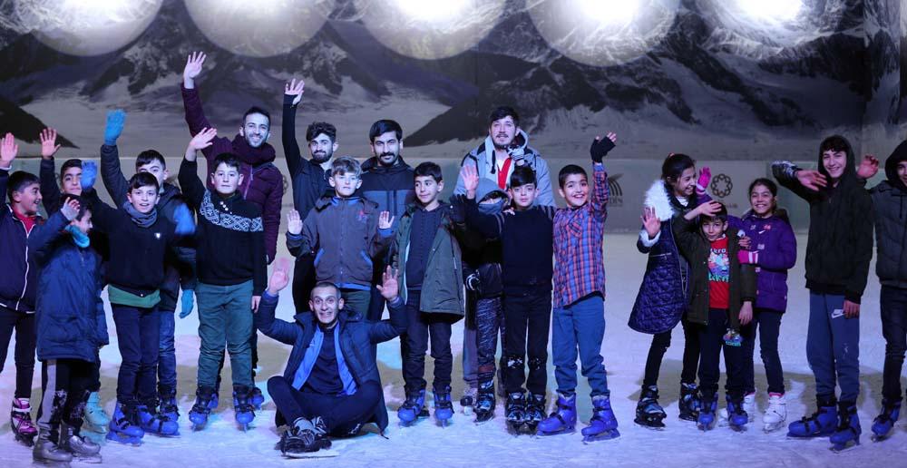 Mardin'de bir ayda 22 bin çocuk buz pistiyle mutlu oldu