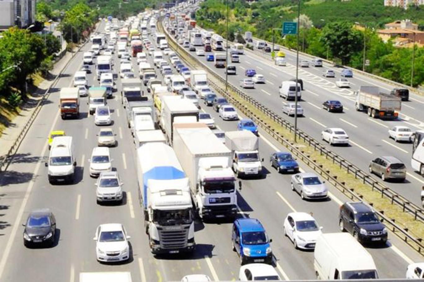 Toplam taşıt-kilometre 306 milyar 926 milyon olarak hesaplandı.