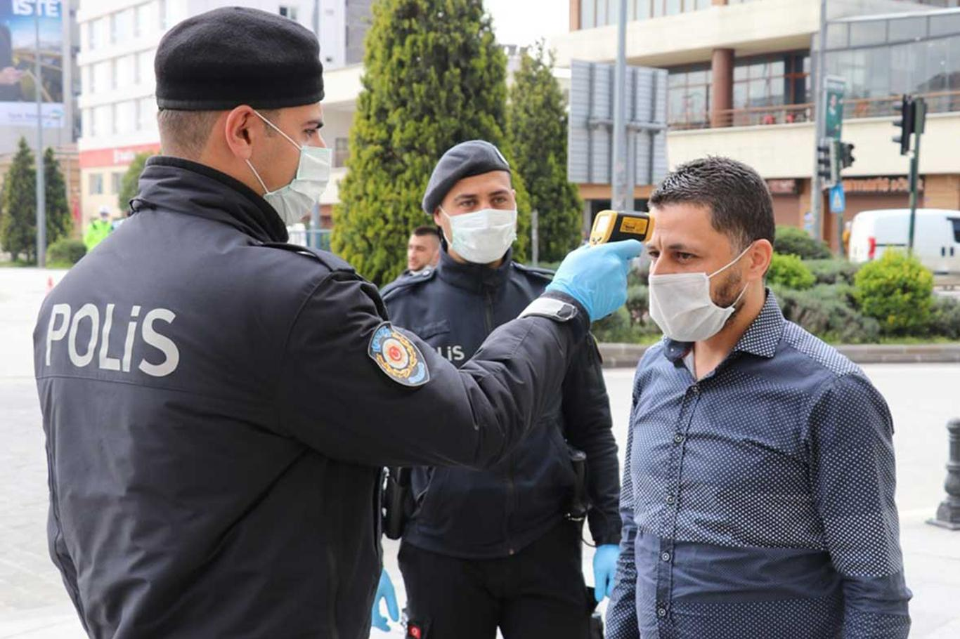 Antalyada 15 sokak karantinaya alındı.