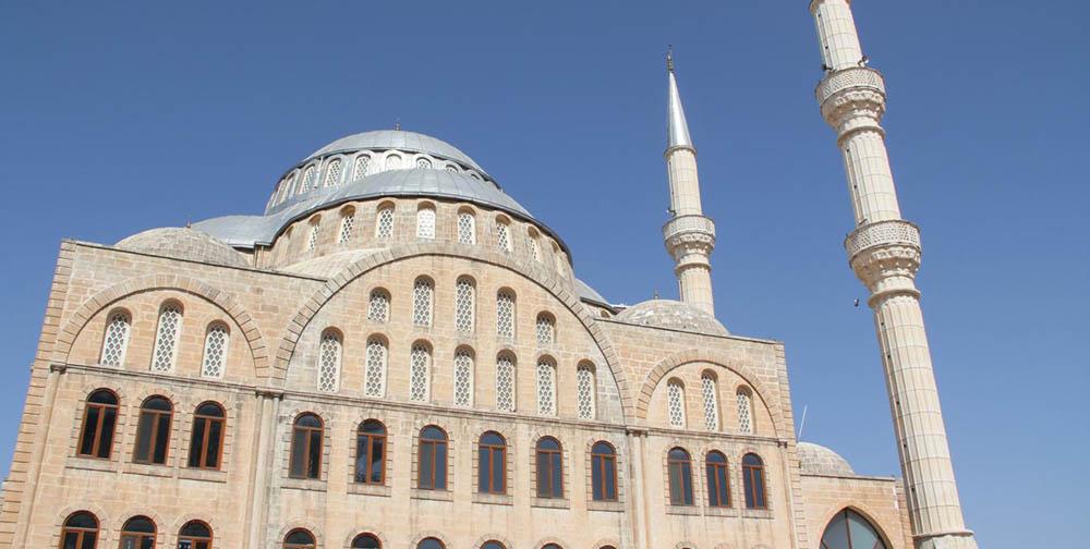 Midyat'ta ibadet yapılacak ve Cuma namazı kılınacak cami ve alanlar belirlendi