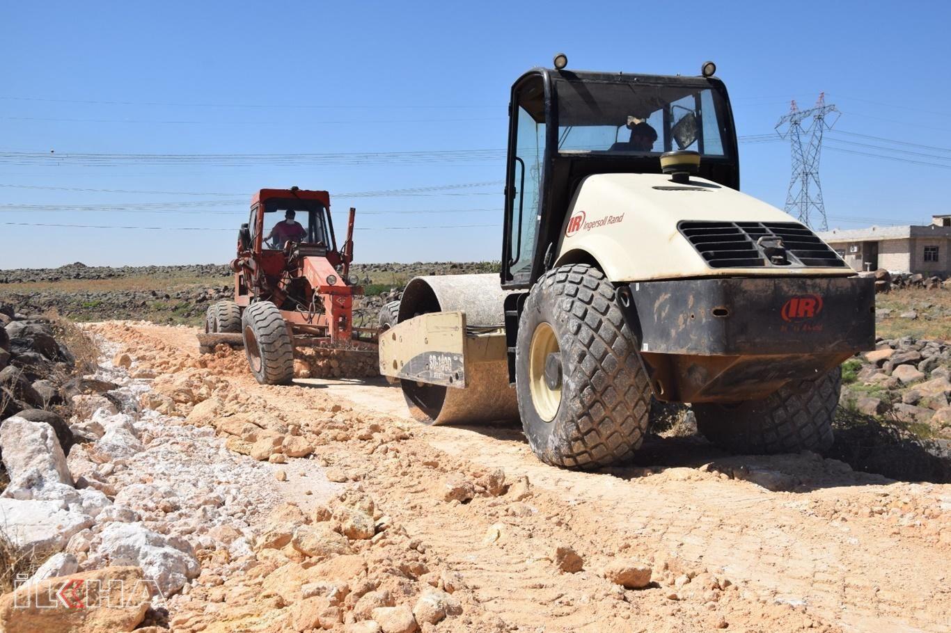 Viranşehir'de kırsal mahallelerde stabilize yol çalışmasına başlandı