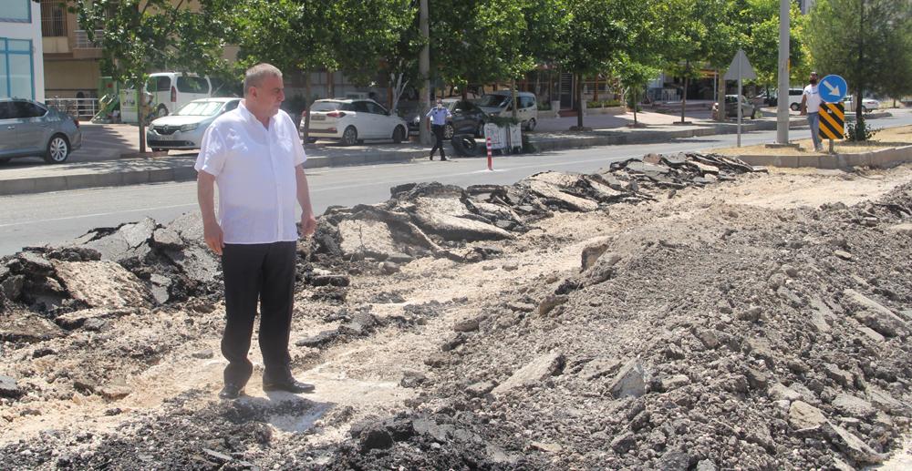 Belediye Başkanı Şahin, Yolda İncelemelerde Bulundu