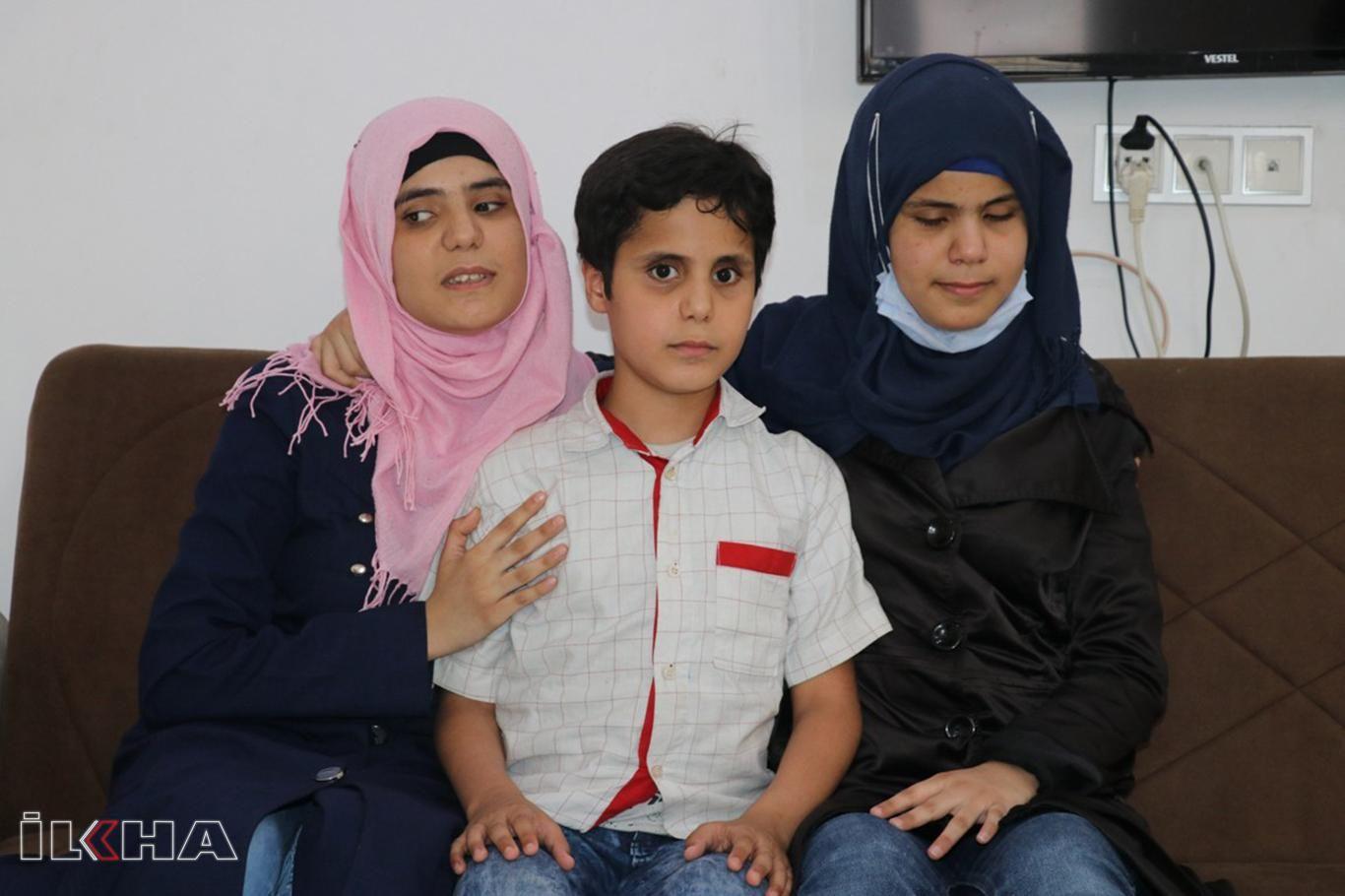 Görme engelli Suriyeli 3 kardeş bir yılda hafız oldu