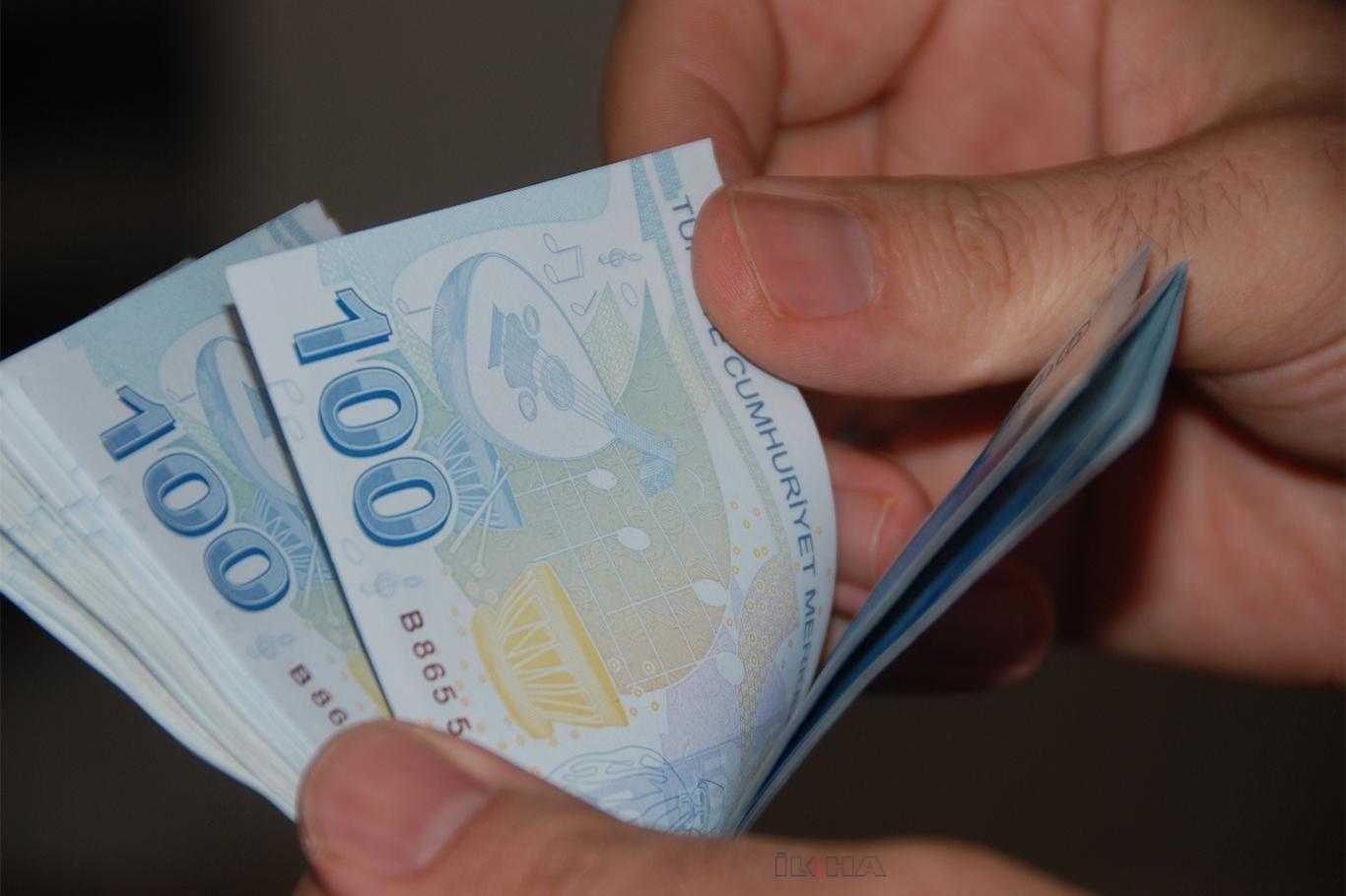 Burs ve kredi ödemeleri bugün itibarıyla başladı