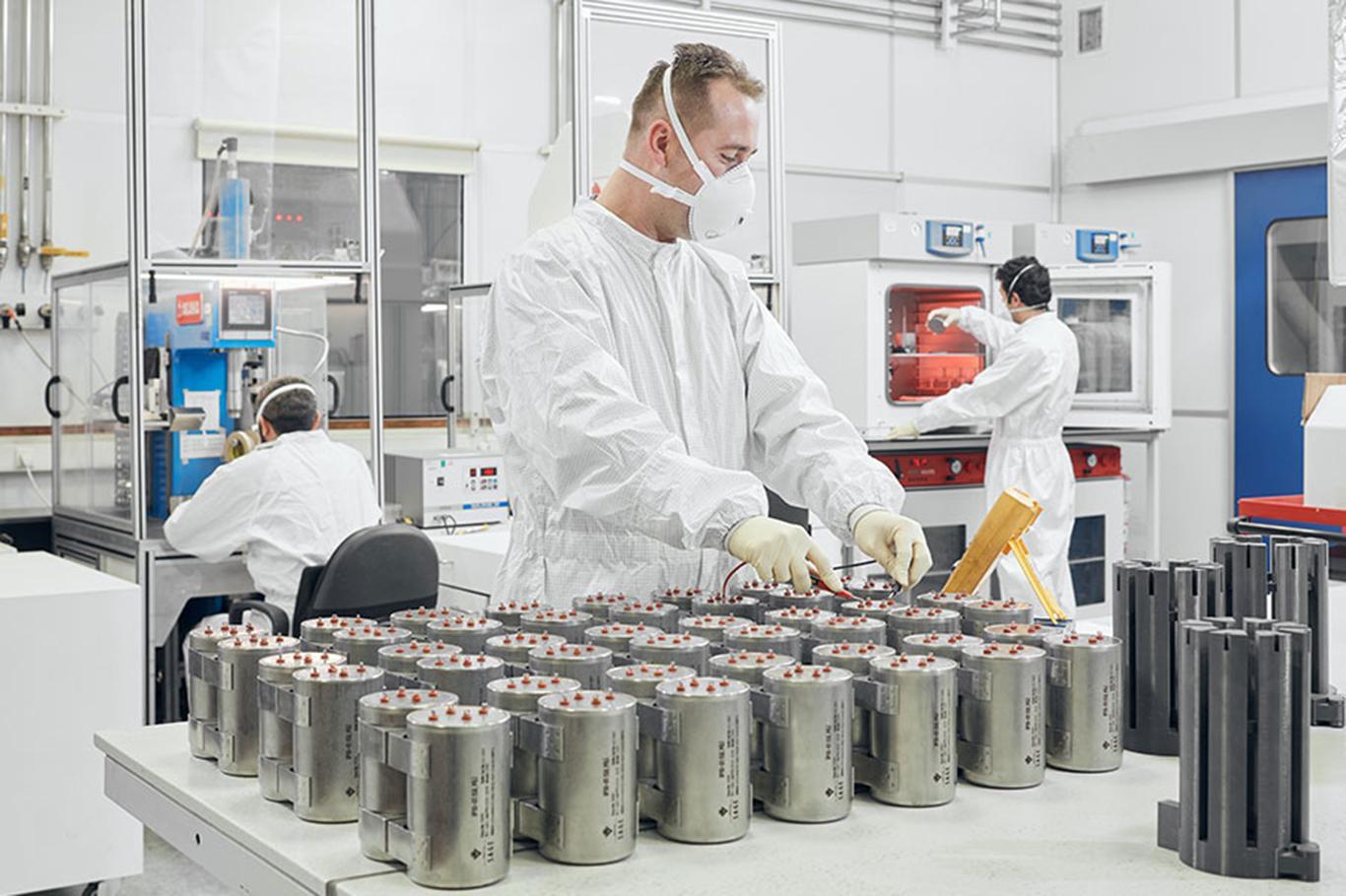 Bakan Varank: Füzelerin ardındaki milli güç, ısıl piller