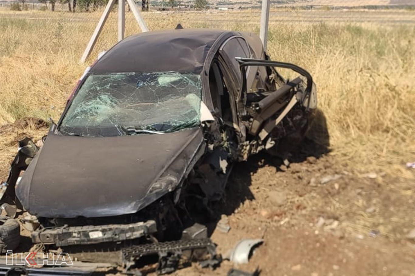 Diyarbakırda otomobil kaza yaptı: 2 yaralı