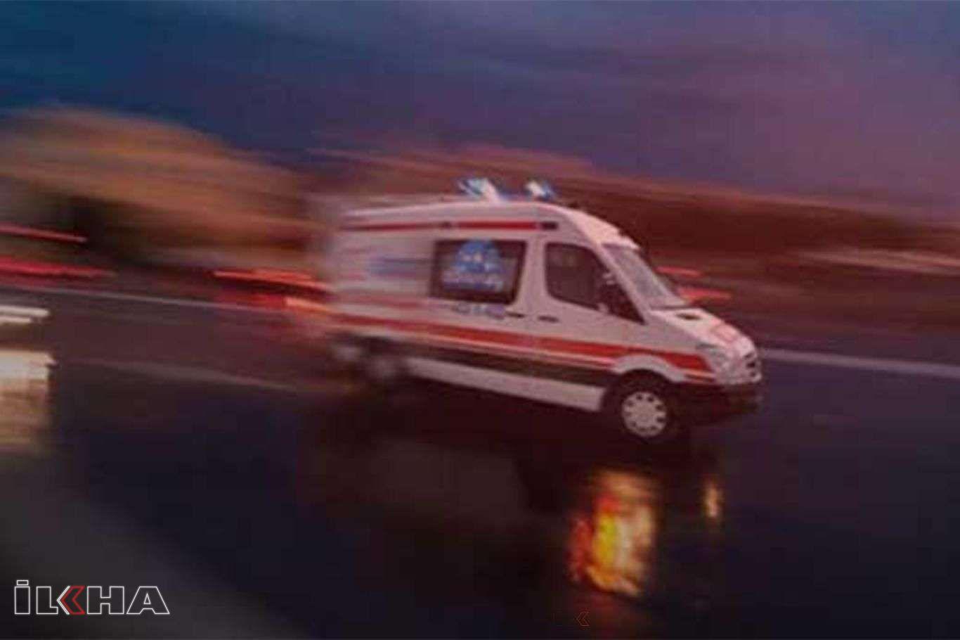 Üç aracın karıştığı kazada 1 kişi yaralandı