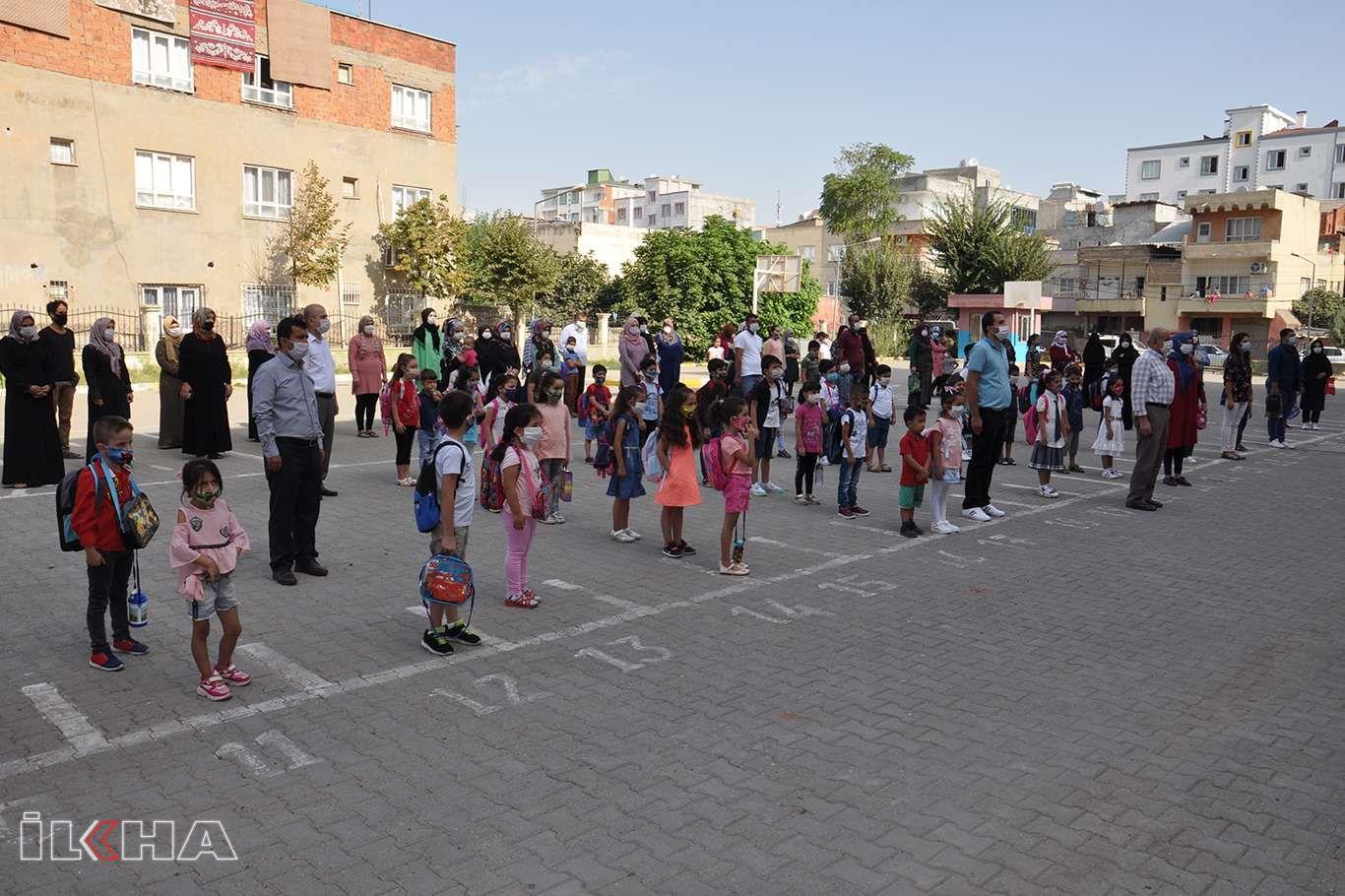 Öğrenci velileri: Dileğimiz okulların tamamen açılmasıdır