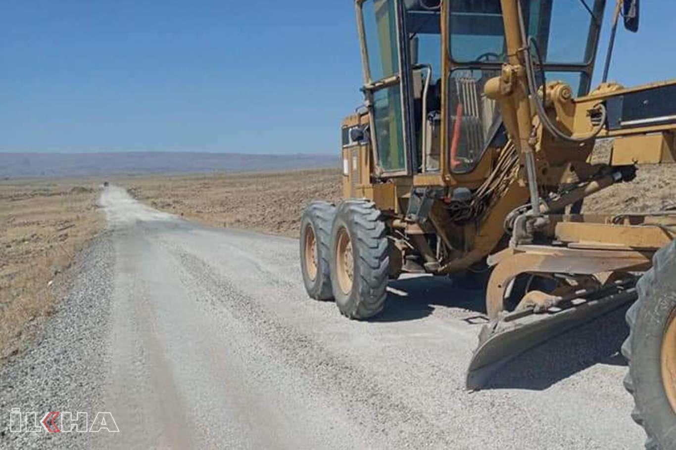 Kırsal yerleşim yerlerinin ulaşım sorunu yeni yapılan yollarla çözüme kavuşuyor