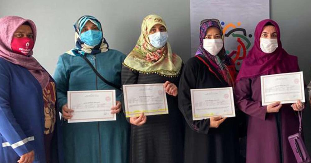 Kur'an-ı Kerim eğitimlerini tamamlayan kursiyerlere sertifika verildi
