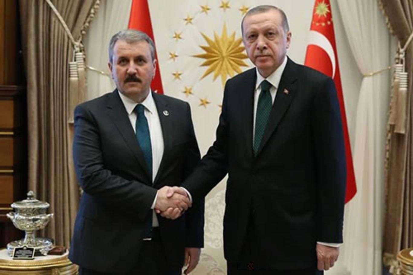 Cumhurbaşkanı Erdoğan, BBP Genel Başkanlığına yeniden seçilen Desticiyi kutladı