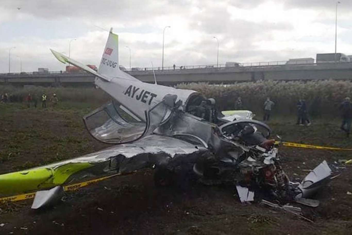 İstanbulda düşen uçağın pilotu hastanede hayatını kaybetti