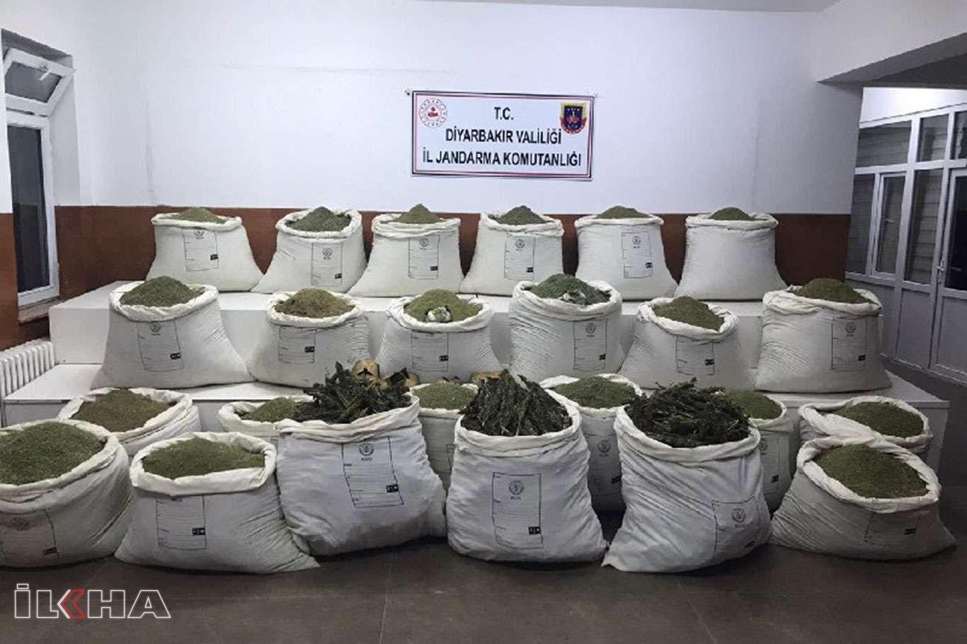 Diyarbakır'da 877 kilogram esrar ele geçirildi