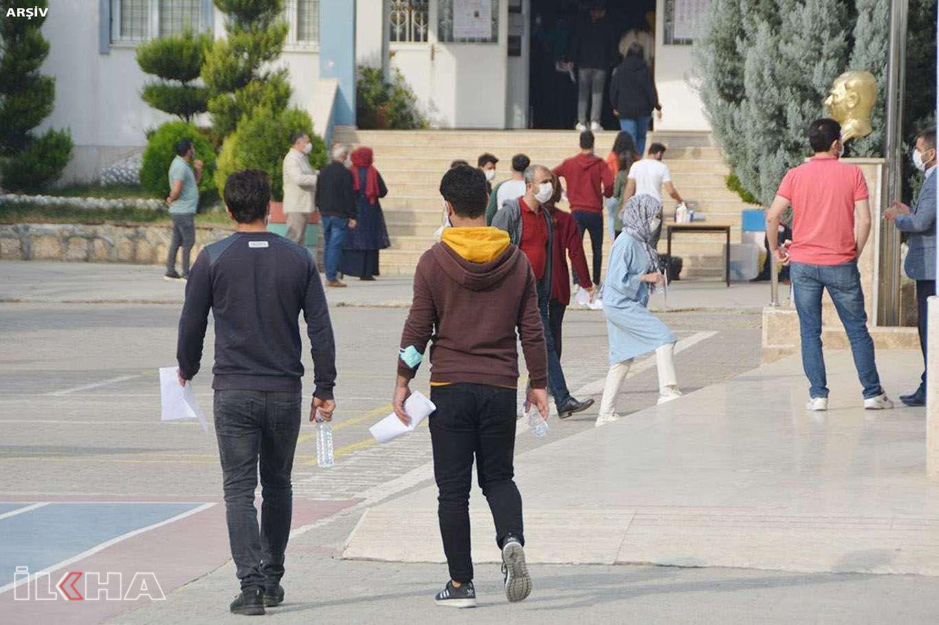 KPSSye girecek adaylar ve refakatçisi sokağa çıkma kısıtlamasından muaf olacak