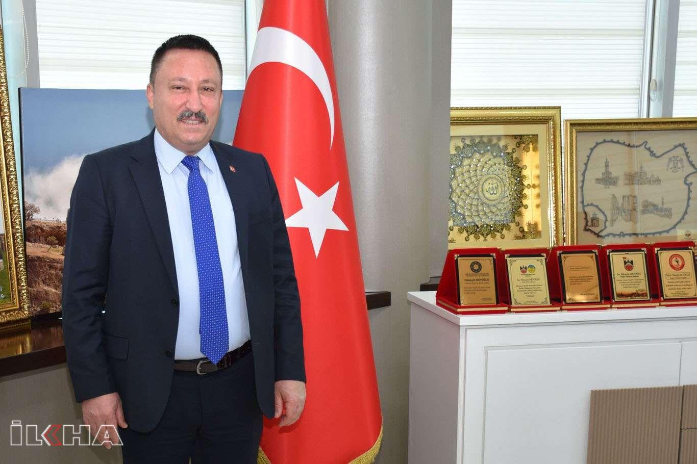Bağlar Belediye Başkanı Beyoğlu, Öğretmenler Günü dolayısıyla bir mesaj yayımladı