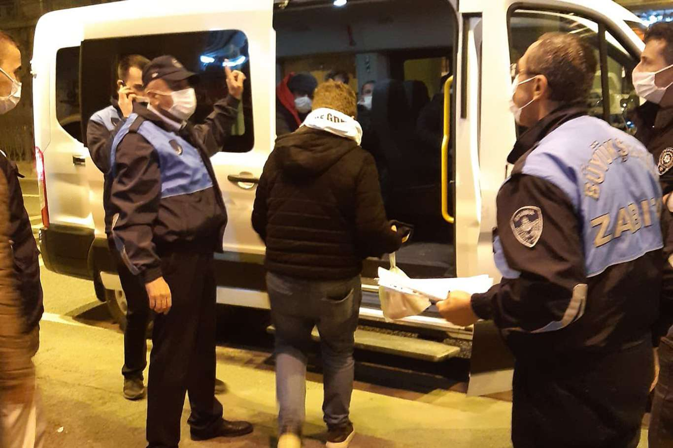 İBB: Saraçhanedeki evsiz insanlarımızı otellere yerleştirdik