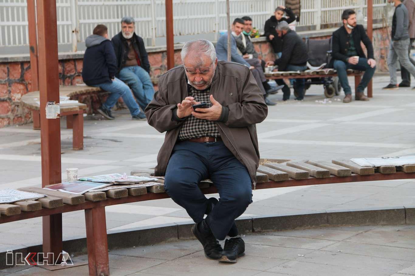 Hak ihlalini içeren WhatsAppın yeni sözleşmesiyle ilgili halk ne düşünüyor?