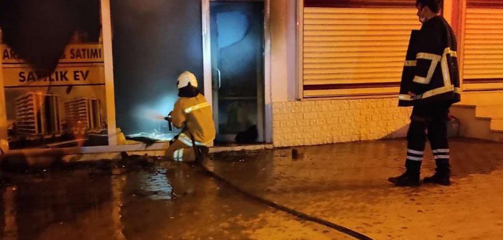 Nusaybin'de bir iş yerinde yangın çıktı