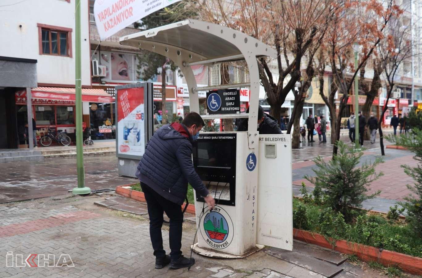 Siirt Belediyesi engelli aracı şarj istasyonlarını onardı