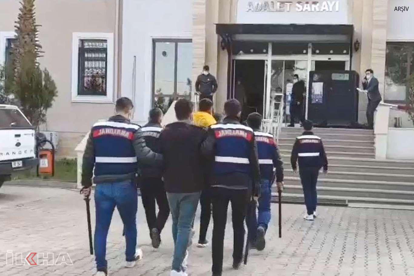 Belediyeye ait malzemeleri çalmaya çalışan 6 kişi suçüstü yakalandı