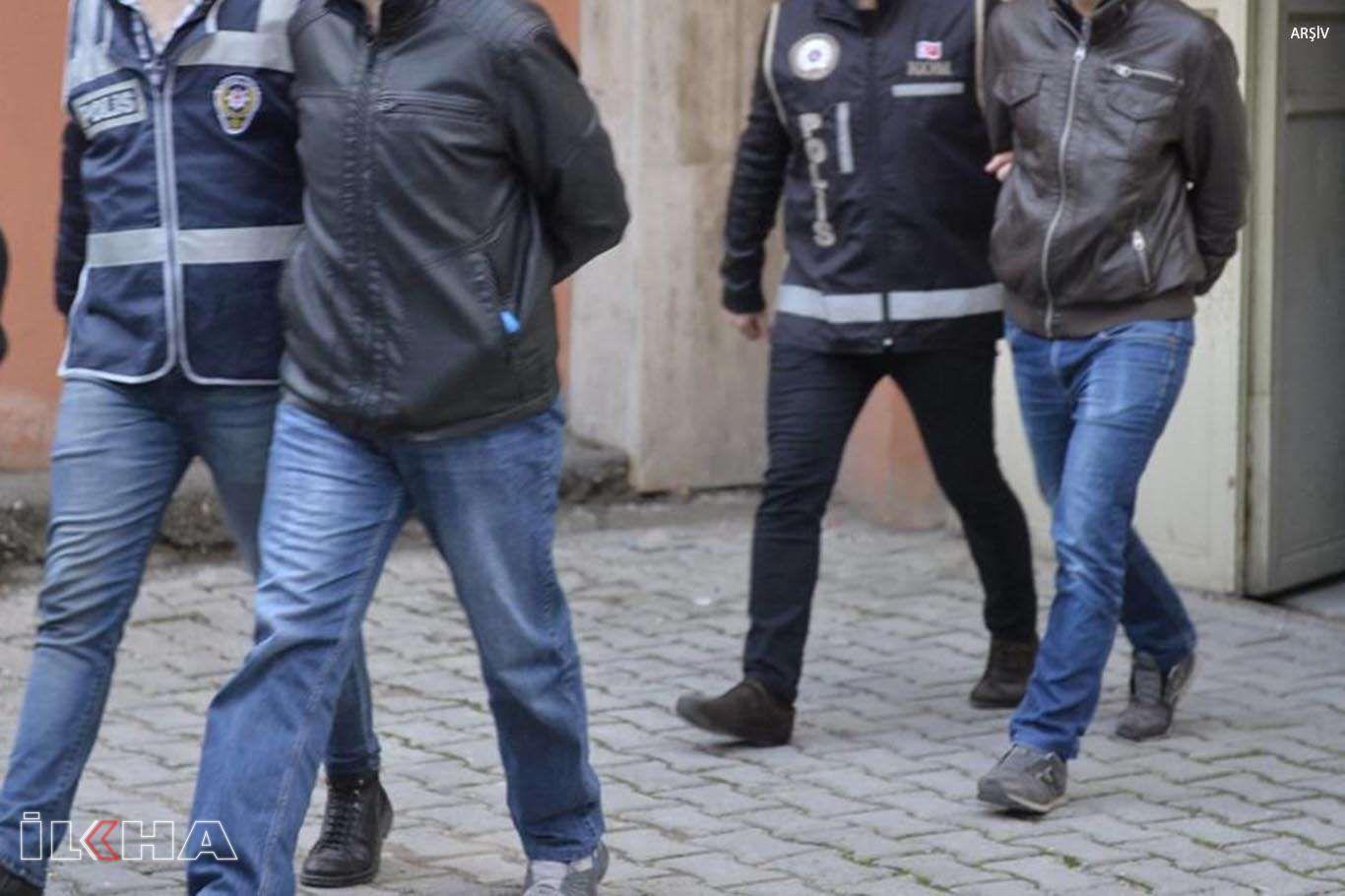 Mardin'de bir kişinin öldürüldüğü silahlı saldırıya ilişkin 3 kişi tutuklandı