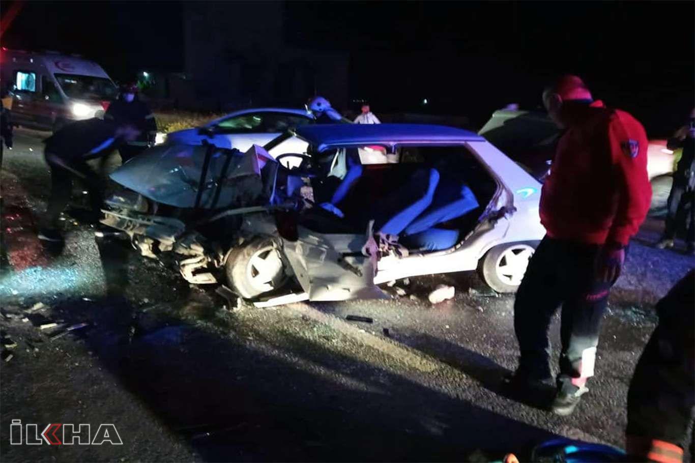 Şanlıurfada iki otomobil çarpıştı: 4 yaralı