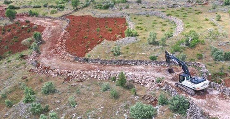 Midyat'ta yeni yol açma çalışmaları devam ediyor