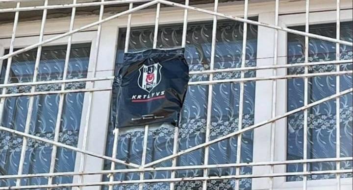 Penceredeki fotoğraf Beşiktaş'ın gündemi oldu