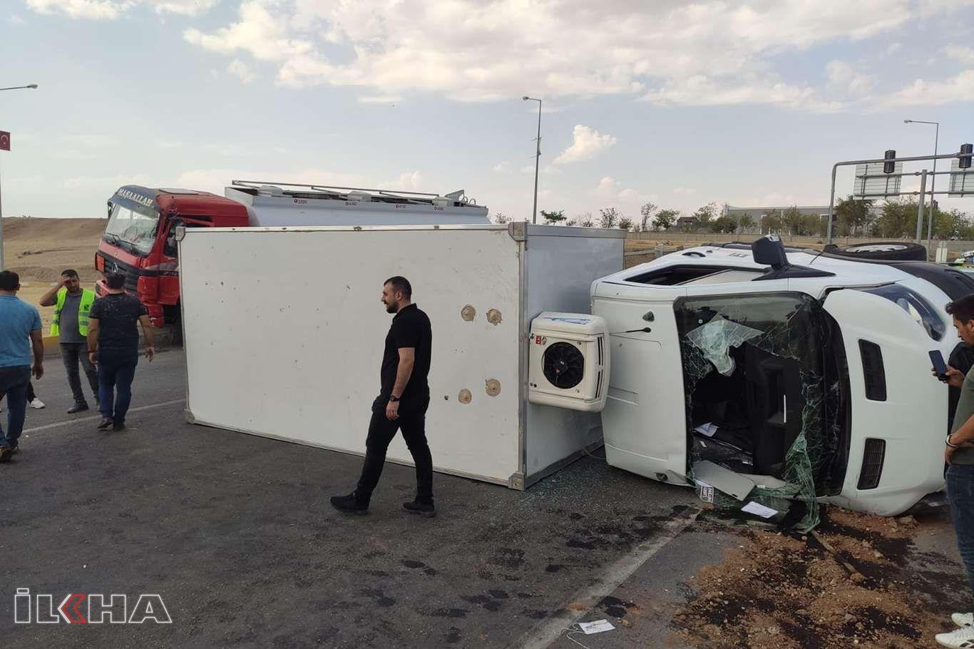 Batman'da tanker aracı ile kamyon çarpıştı: Bir ağır yaralı