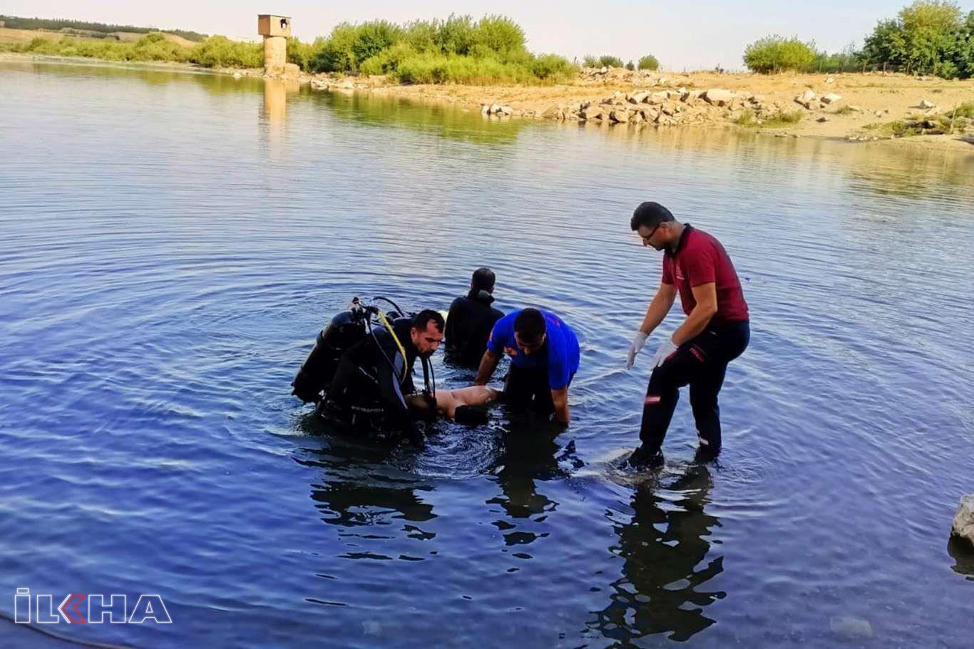 Serinlemek için girdiği suda akıntıya kapılan genç boğuldu