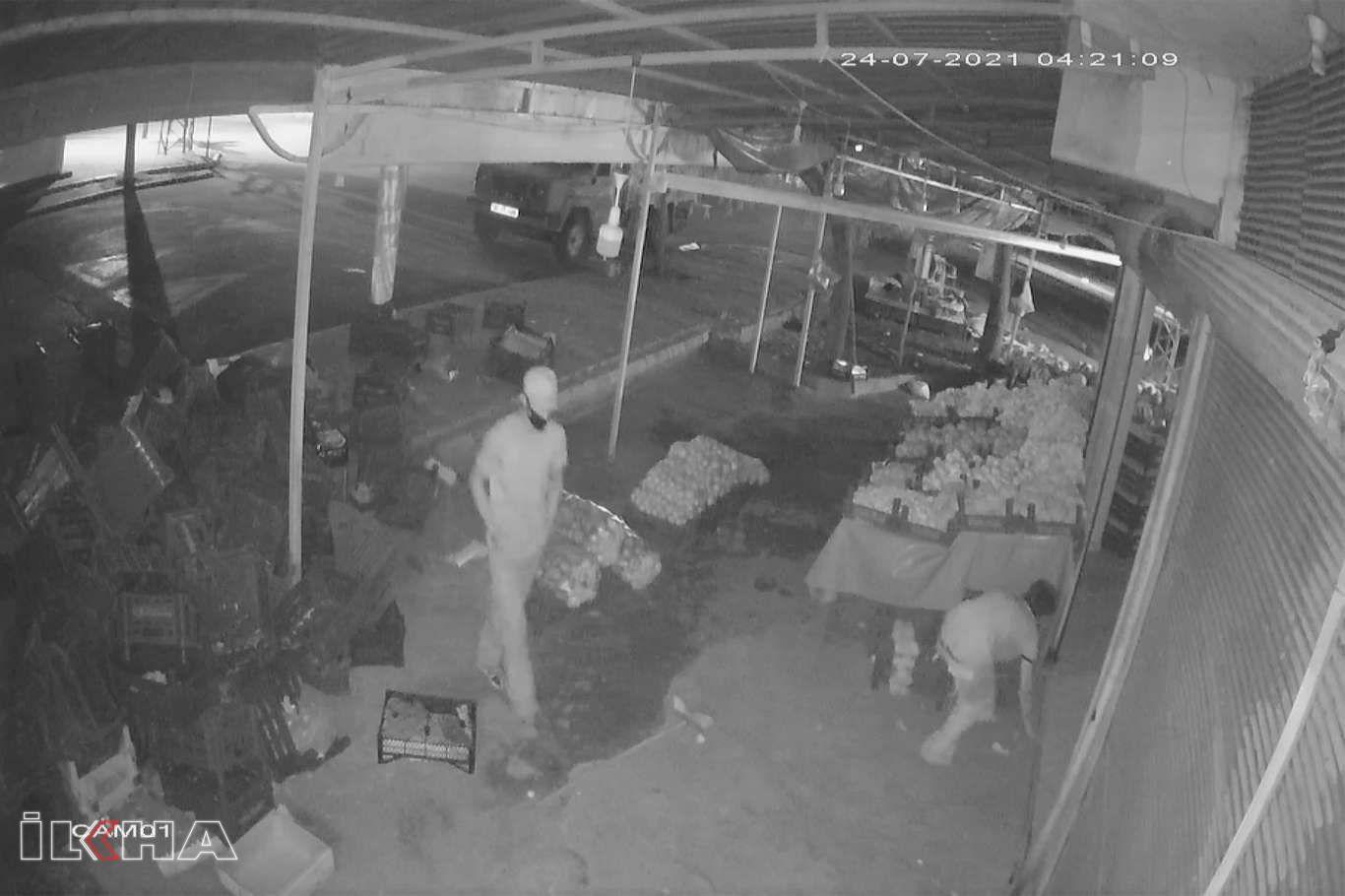 Şanlıurfada iş yerinden hırsızlık olayı güvenlik kameralarına yansıdı