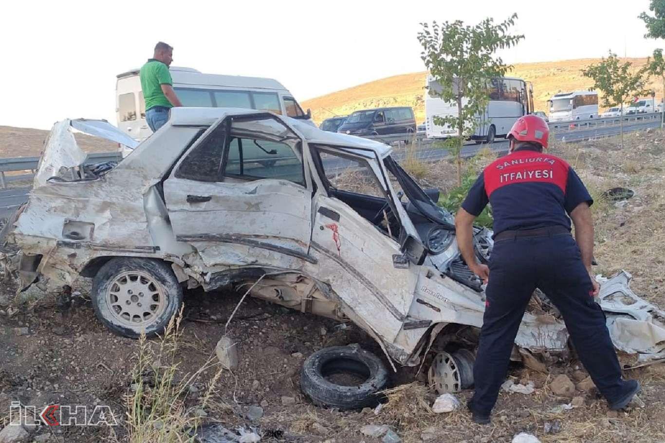 Direksiyon hakimiyetini kaybeden sürücü minibüsle çarpıştı