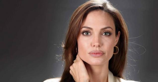 Angelina Jolienin annesinin sevgilisiyle birlikte olduğu ortaya çıktı