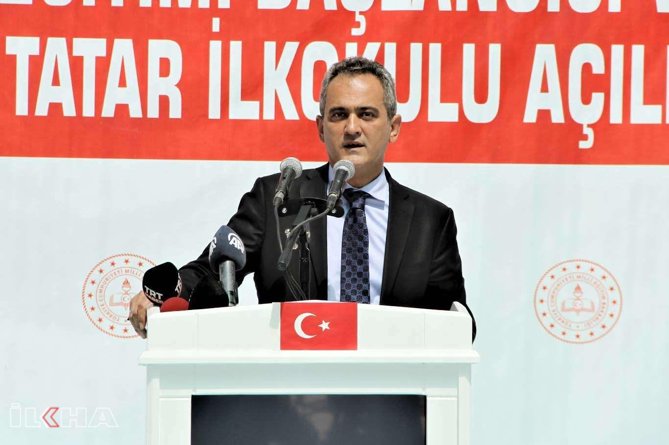 Milli Eğitim Bakanı Özer: Kurallara riayet edersek okullarımızı açık tutmaya devam edebiliriz