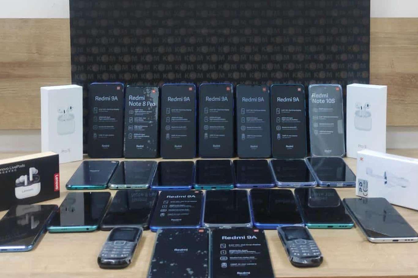 Siirt'te 72 bin TL değerinde gümrük kaçağı cep telefonu ele geçirildi