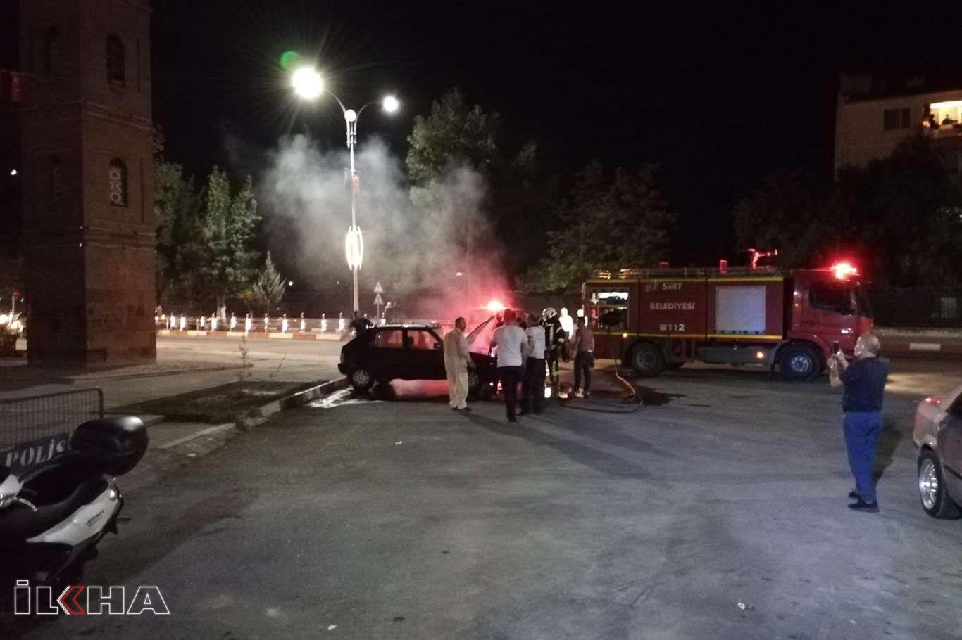 Siirtte park halindeki otomobil alev aldı