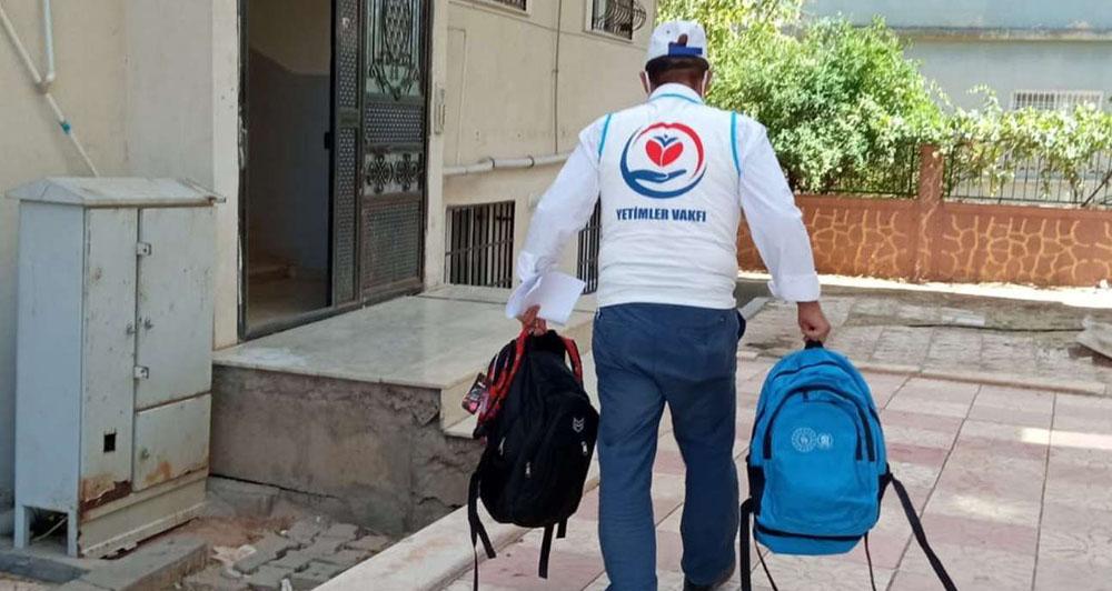 Midyatta 120 yetim öğrenciye kırtasiye seti yardımı